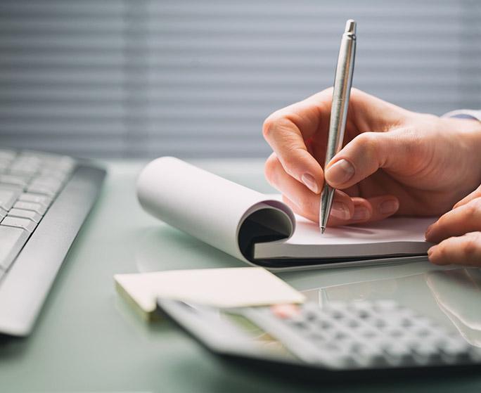 praca doradcy biznesowego nad rozliczaniem dofinansowania ze środków unijnych